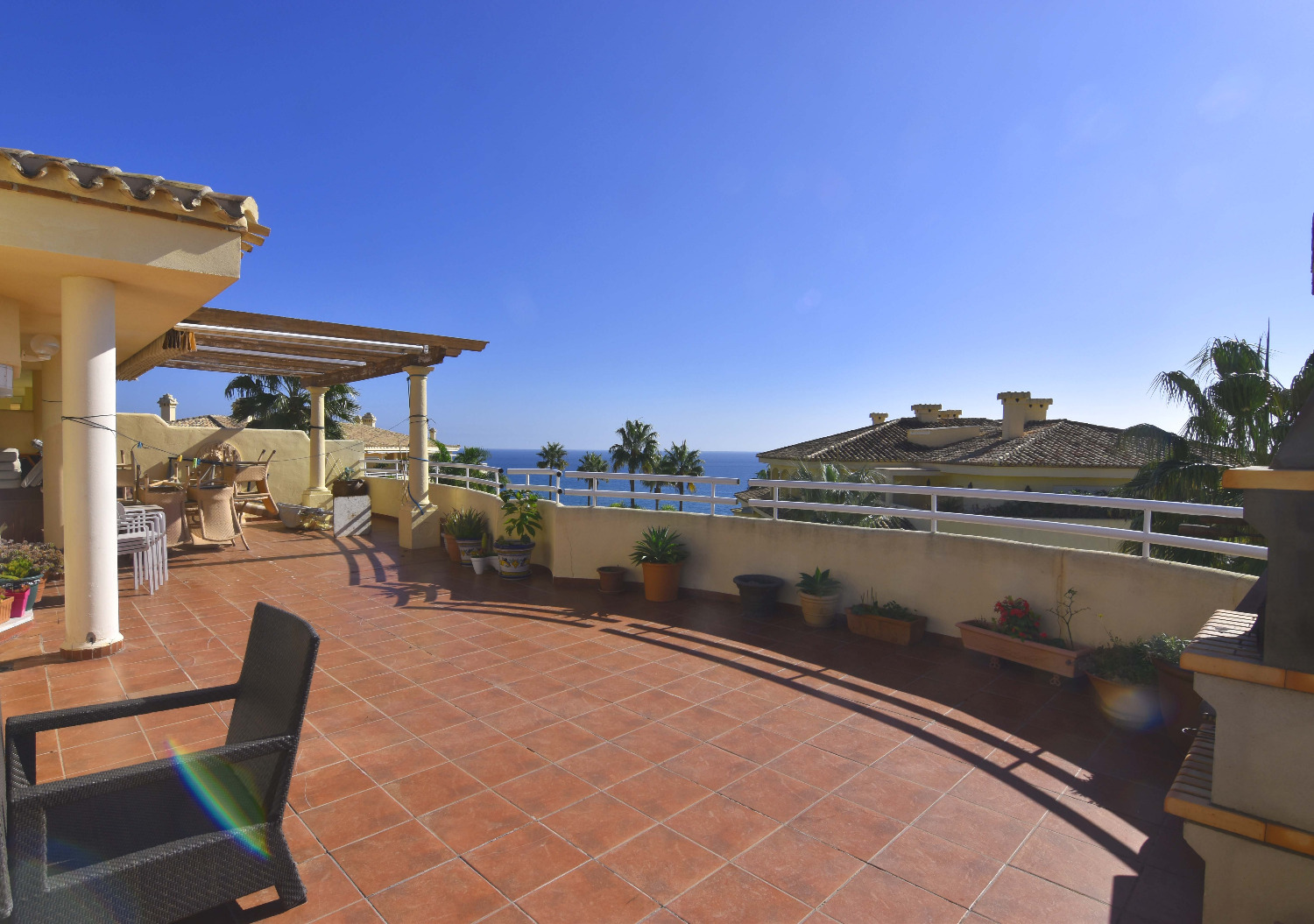 Penthouse for rent on the beachfront in Costaquebrada, Benalmadena Costa