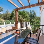 Townhouse for sale with private pool